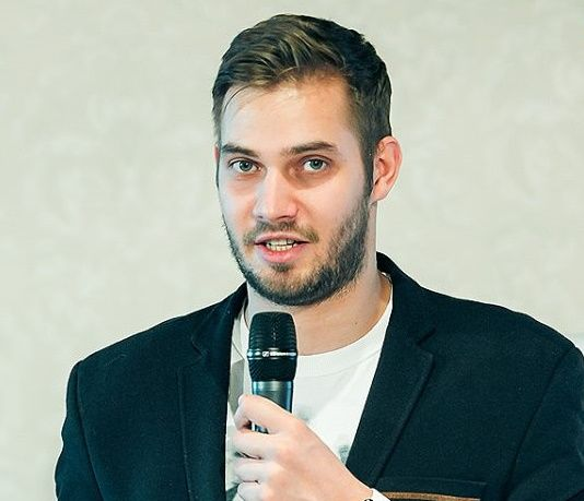 Alexey Antonov - Private investor in Blockchain projects, as well as a Blockchain tech evangelist in Russia.
